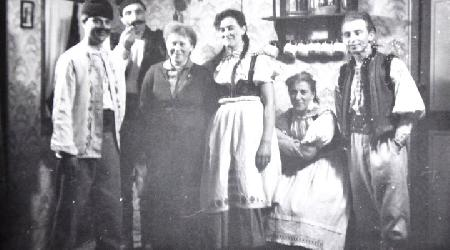 Historické fotky - ochotníci - Hra Závěje1